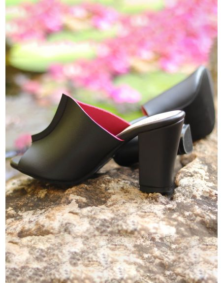 SOLE STORIES Two Toned Mules-Black