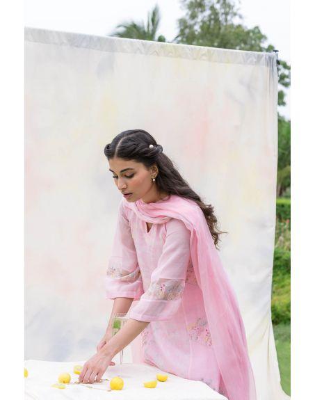 LABEL NIMBUS Pink Chanderi & Kota Silk Tie & Dye Kurta Set.