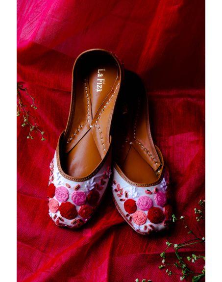 LA FIZA White Rose Embroidered Leather Jutti