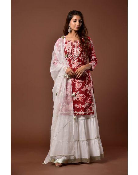 KISWAH CLOTHING Laal Nusrat Garara Set