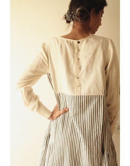 KILCHU INDIA Back Button Detail Ruffle Dress